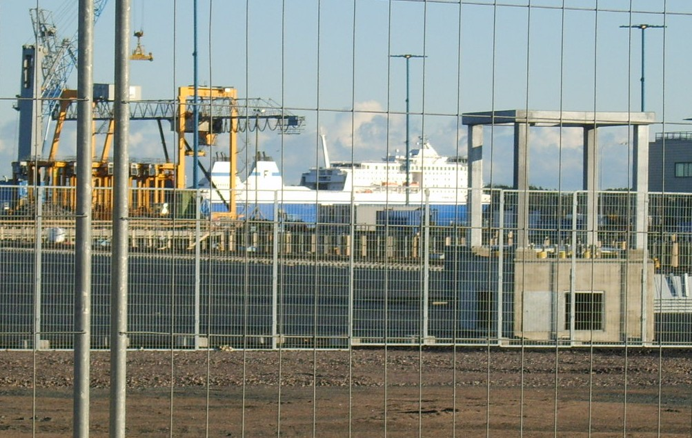 Паром Finnlines  в Порту Vuosaari Nordsjo Keha Ring III